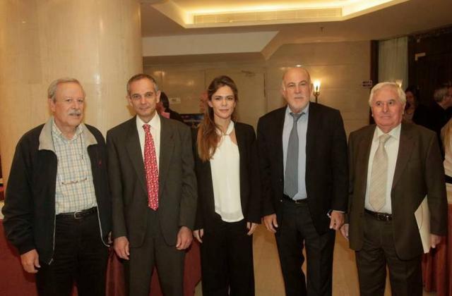 Από αριστερά: Μ. Αλέπης, Μέλος Ολομέλειας Ο.Κ.Ε., Κ. Παπαϊωάννου, Πρόεδρος Greenpeace Ελλάδος, Ά. Βάσιλα, ΣΕΒ, Γ. Βερνίκος, Πρόεδρος Ο.Κ.Ε., Β. Θεοτοκάτος, Πρόεδρος Α.Σ.Π.Ε.