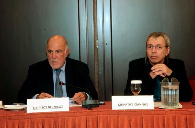 Από αριστερά: Γ. Βερνίκος Πρόεδρος Ο.Κ.Ε., Ι. Μπράτης, Αναπληρωτής Υπεύθυνος Έργου